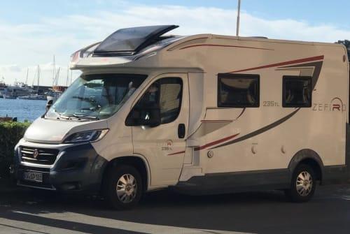 Wohnmobil mieten in Hardt von privat | ROLLER TEAM ZEFIRO 235 TL