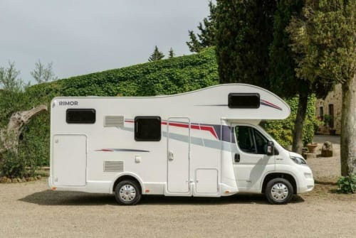 Wohnmobil mieten in Königs Wusterhausen von privat   Rimor Rimor Seal8 Tom