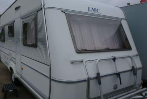 Wohnmobil mieten in Ostrhauderfehn von privat | LMC  Lord Camper