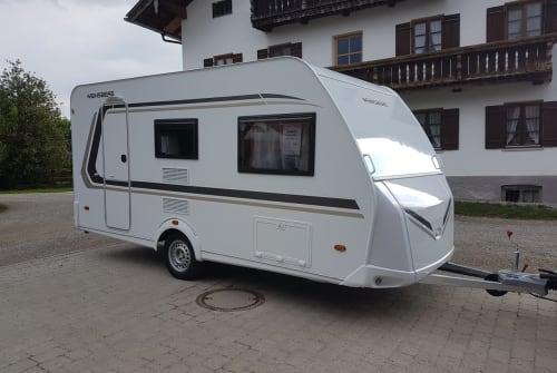 Wohnmobil mieten in Sauerlach von privat   Weinsberg Benito