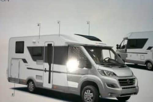 Wohnmobil mieten in Düsseldorf von privat | Citroen 2,0 Blue Hdi 120 Kw (160PS) HOBBIT  2