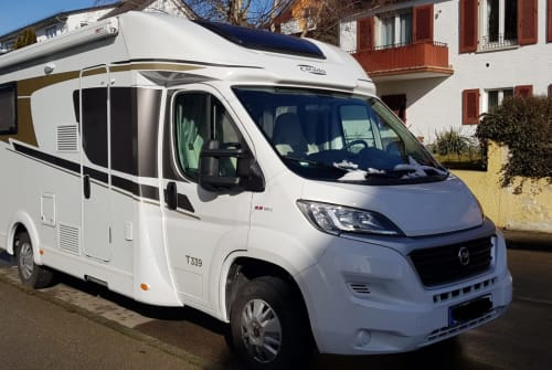 Wohnmobil mieten in Meersburg von privat | Carado WomoMeer