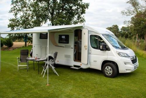 Wohnmobil mieten in Oldenburg von privat | Carado Carado V337