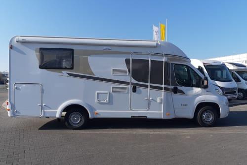 Wohnmobil mieten in Bielefeld von privat   Carado Perla