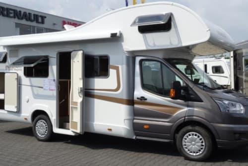 Wohnmobil mieten in Bielefeld von privat   Nobelart Deluxe A 8000 Road-Runner