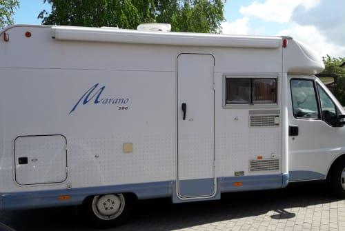 Wohnmobil mieten in Jübek von privat | Bürstner Blauzahn