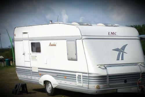 Wohnmobil mieten in Calden von privat | LMC Münsterländer