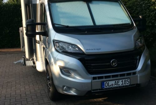 Wohnmobil mieten in Oldenburg von privat | Dethleffs Dorali