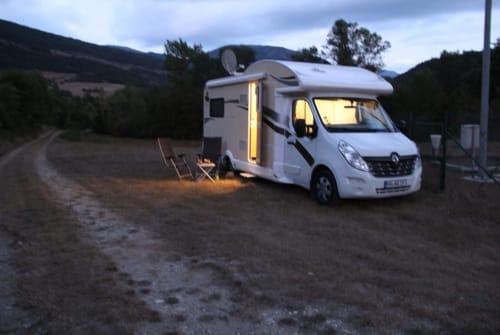 Wohnmobil mieten in Warburg von privat | Ahorn OnTour