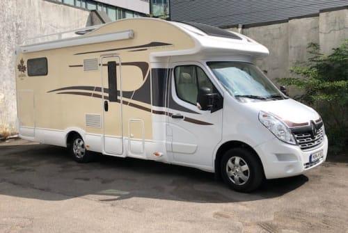 Wohnmobil mieten in Aachen von privat | Renault Master Ahörnchen