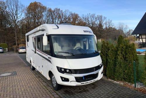 Wohnmobil mieten in Lugau von privat | Rapido Rapido 8066 DF