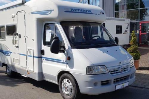 Wohnmobil mieten in Middelburg von privat | Adriatik AdriaCoral580