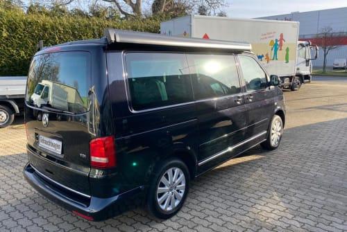 Wohnmobil mieten in Aachen von privat | VW T5  T5 Black Beauty