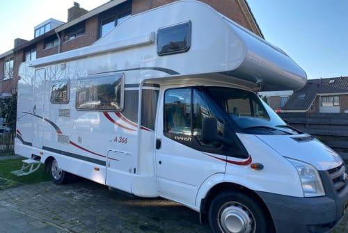 Wohnmobil mieten in Koudekerk aan den Rijn von privat | Ford Carado Ford CaradoA366