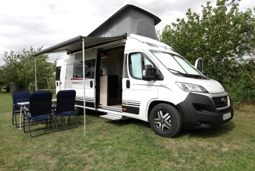 Wohnmobil mieten in Dietenhofen von privat | Büstner Dachs Wohnmobil