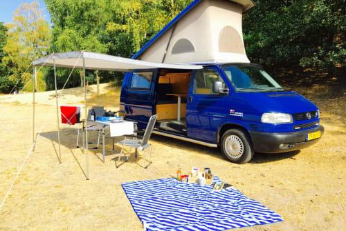 Wohnmobil mieten in Zeist von privat | Volkswagen Bright Blue