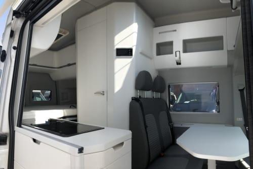 Wohnmobil mieten in Flensburg von privat | VW Hugh Grand