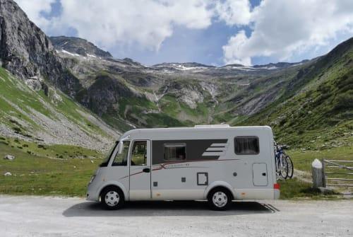 Wohnmobil mieten in Schönau an der Triesting von privat | Hymer Schnurrsula