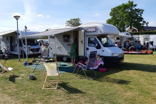 Wohnmobil mieten in Maarssen von privat | Hymer Hymer Camper A