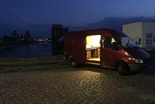 Wohnmobil mieten in Schönebeck von privat | Mercedes Benz  HerrBert