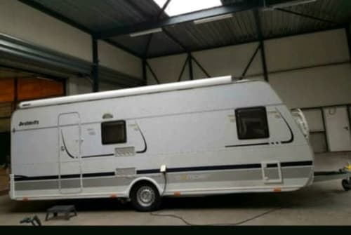 Wohnmobil mieten in Waddinxveen von privat | Dethlefs camper  Grote caravan
