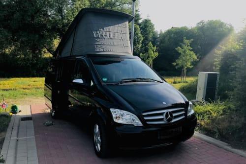 Wohnmobil mieten in Ostercappeln von privat | Mercedes Black Beauty