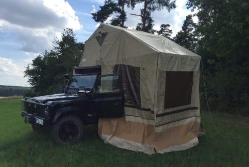 Wohnmobil mieten in Münzenberg von privat   Land Rover Defender TD 5 Capt´n Heavy metal