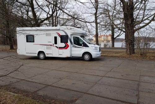 Wohnmobil mieten in Rangsdorf von privat   Challenger Challenger 396