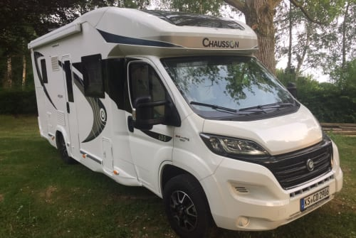 Wohnmobil mieten in Helsa von privat | Chausson Leni Mobil