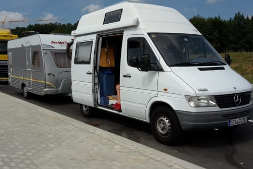 Wohnmobil mieten in Hatzenbühl von privat | Mercedes Rungi