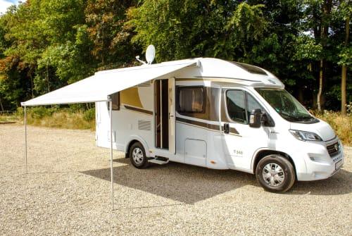 Wohnmobil mieten in Sonsbeck von privat | Carado Carado T348